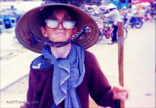Old lady in Vietnam
