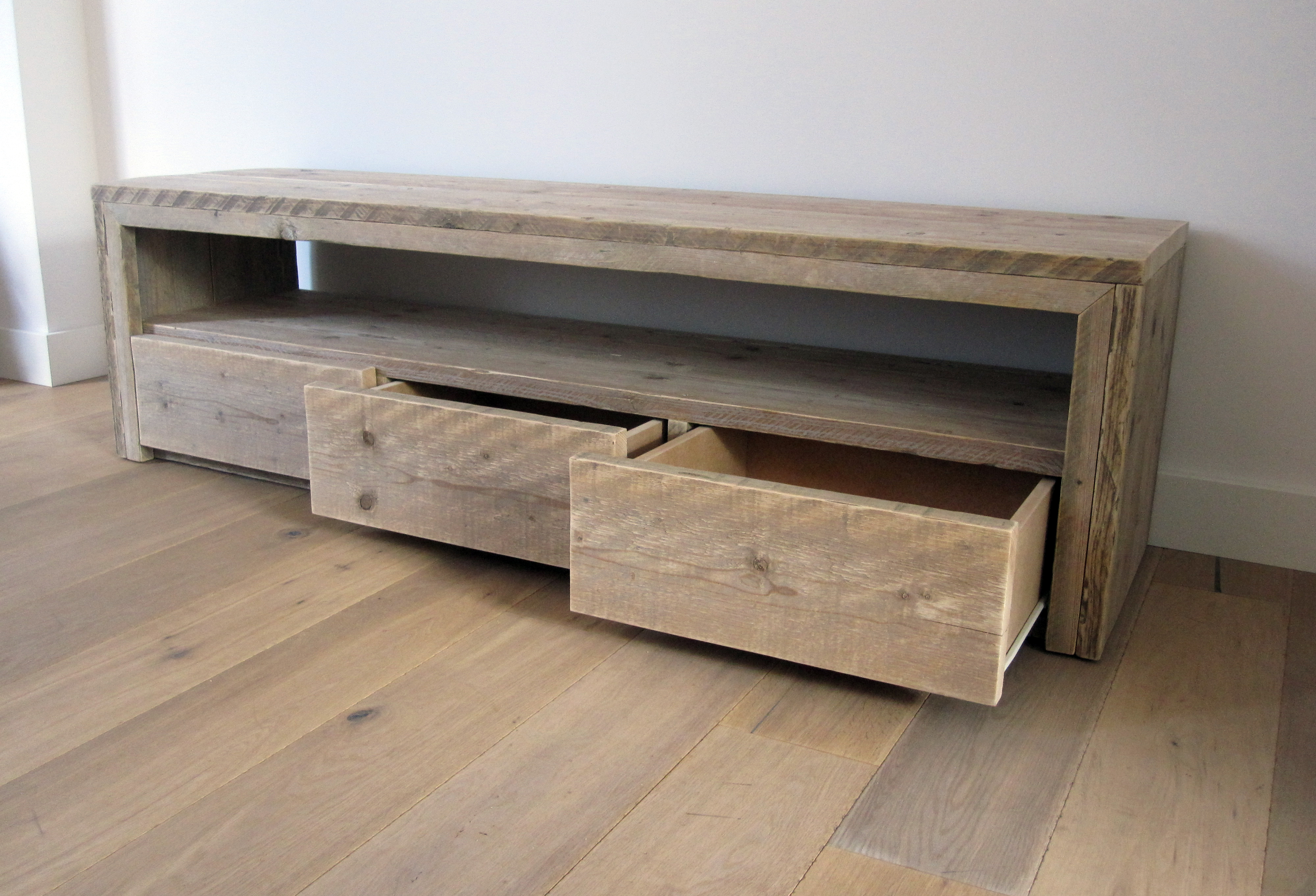 Tv meubel 39 vittali 39 steigerhout te koop bij w00tdesign for Tv meubel steigerhout