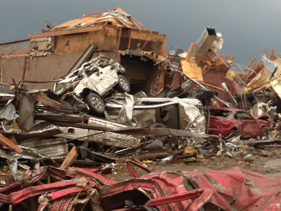 Moore Oklahoma damage after tornado outbreak