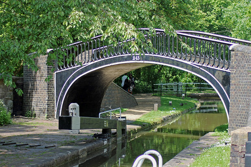 Bridge 243 Oxford Canal by TonyKRO
