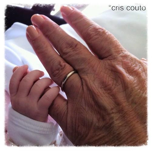 Felicidade...sua mão na minha mão, te amo muito Manuella!!! by cris couto 73