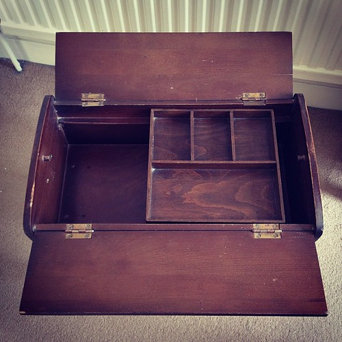 My new 1950s sewing box!