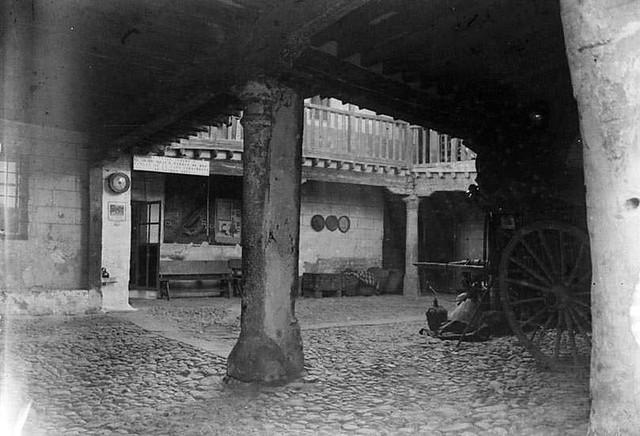 Posada de la Sangre en 1935. Fotografía Josep Gaspar i Serra © Arxiu Nacional de Catalunya. Signatura ANC1-23-N-1567