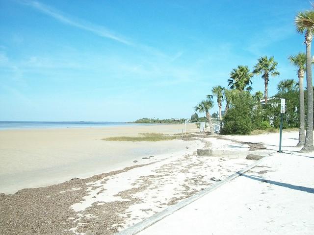 r beach hernando beach