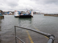 Cowes Chain Ferry - high tide