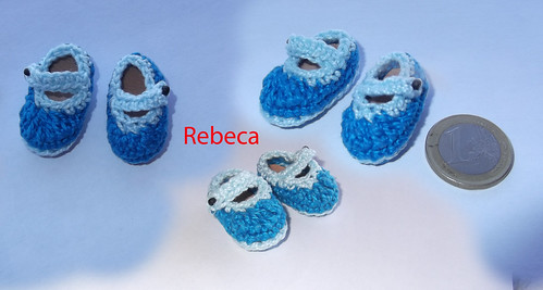 Mini zapatitos de chochet para un llavero by rbk_rebeka