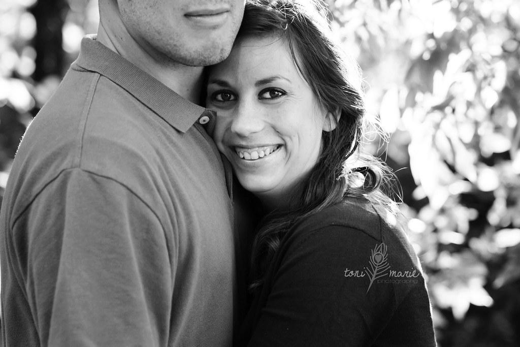 austin couples photographer - Toni Marie Photography