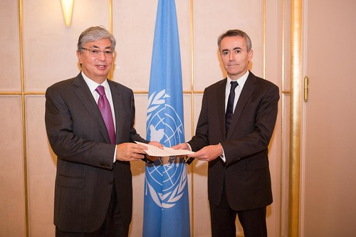 NEW PERMANENT REPRESENTATIVE OF PORTUGAL PRESENTS CREDENTIALS TO DIRECTOR-GENERAL OF UNOG