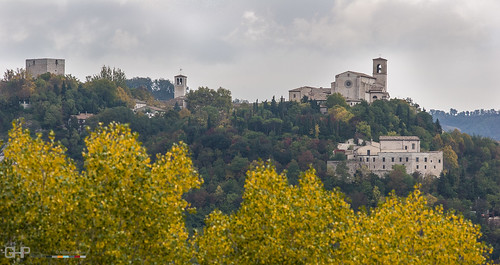 autumn italy building tower church nature ecology architecture scenery europe scenic structures style it architectural hills land environment environmentalism marche ecosystem edifice edifices placeofworship lemarche religiousbuilding sassoferrato themarche hillsvalleys