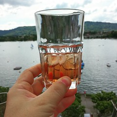 Having a @#drink at the#edenhotel #terrasse Amazing views over the lake. #zürich #zurichsee #swiss