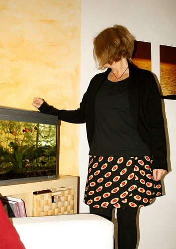 Day 22 Wrapskirt from waxprint, black shirt and Julia cardi