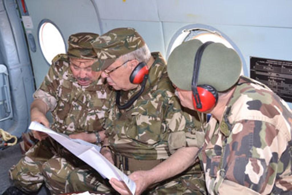 الجزائر : صلاحيات نائب وزير الدفاع الوطني - صفحة 4 30688291811_80b423780e_o