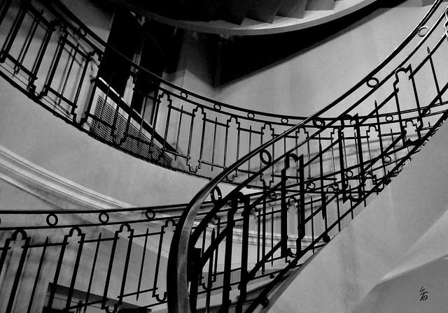 _DSC2003 - Escalier de la Mairie