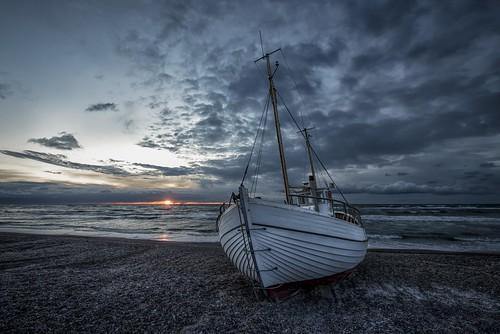 ocean sunset beach denmark evening boat europe scandinavia geotag hdr 2012 jutland nordjylland bo47 slettestrand fjerritslev nikond800 bonielsen
