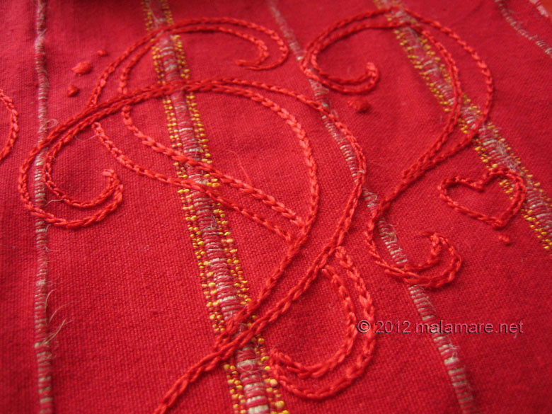 hand embroidery chain stitch red hearts