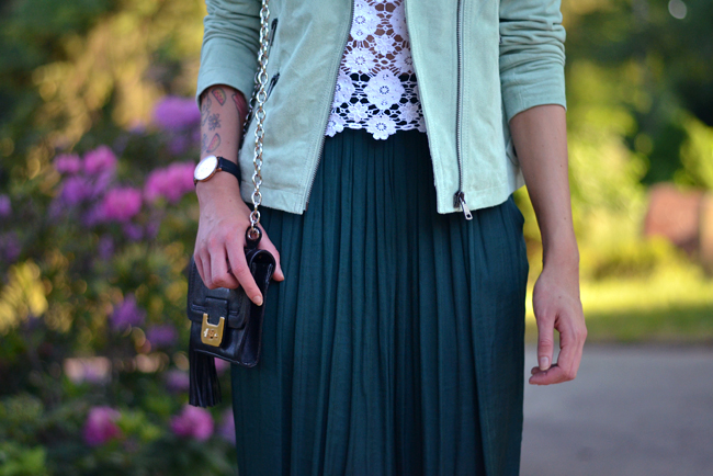 Sojeans green jacket outfit blogger 7