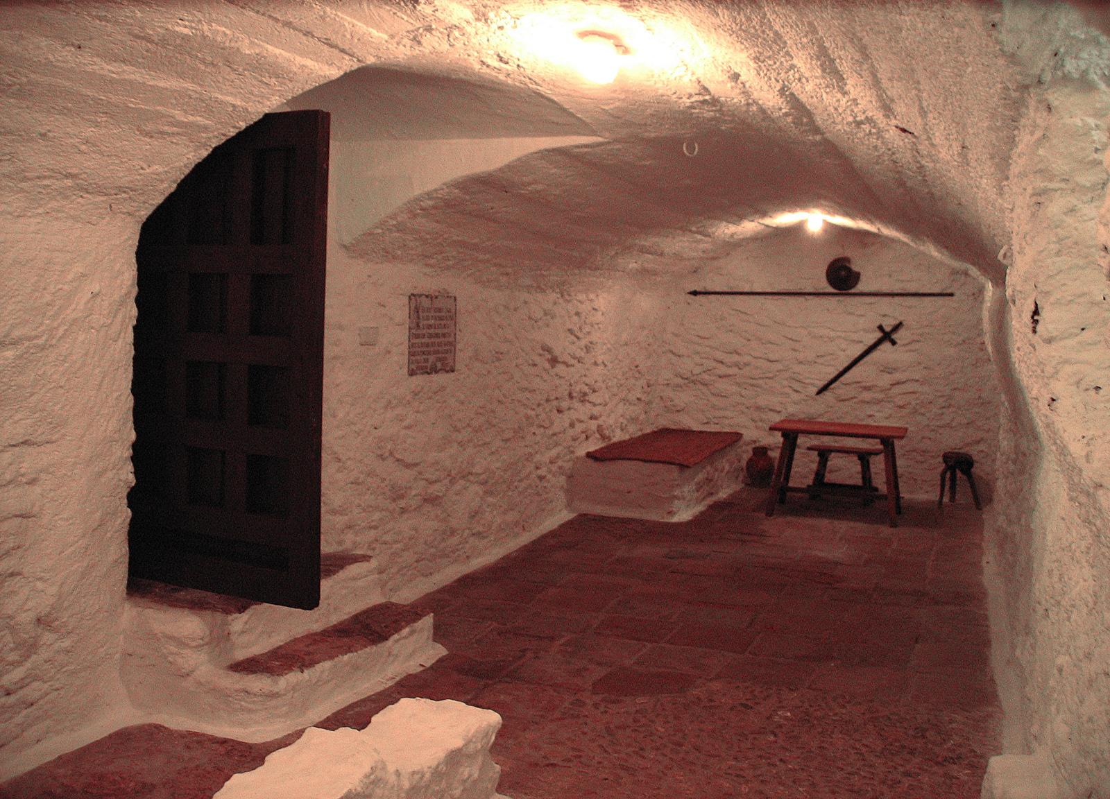 Cueva de Medrano, en Argamasilla de Alba. Hito en la leyenda cervantina. Autora, Mª Lluïsa