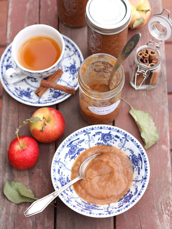 Slow Cooker Spiced Applesauce for canning