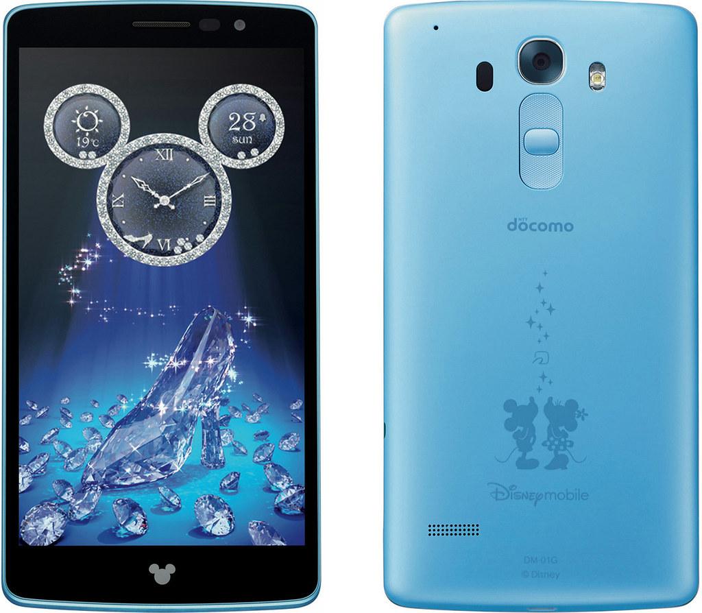 Disney Mobile on docomo DM-01G 実物大の製品画像