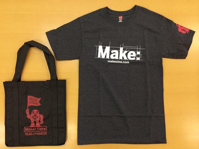 黒トート+黒Tシャツ