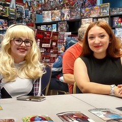 Cosplayer Abigail Tinsley and Ashley Manning a table!