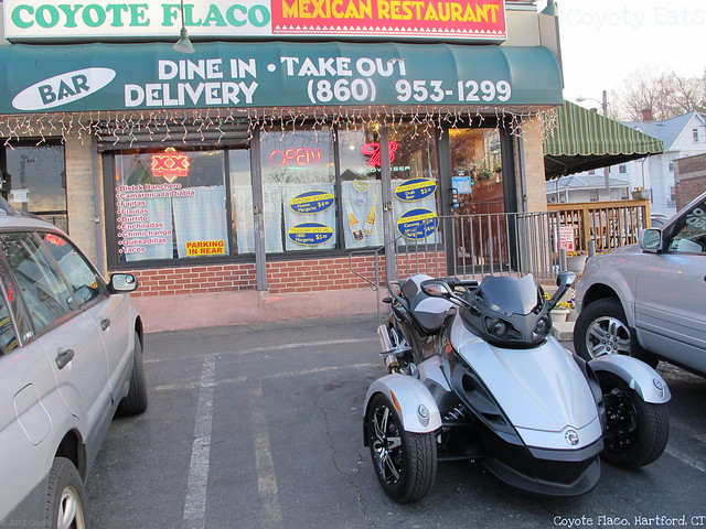 Coyote Flaco exterior and a Can-Am Spyder