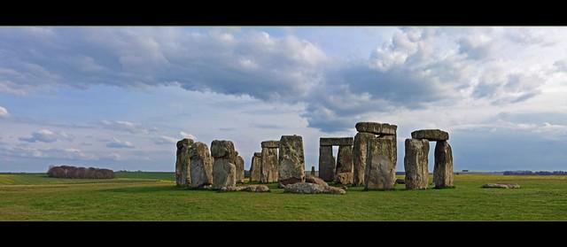Stonehenge - Prehistoric monument in England