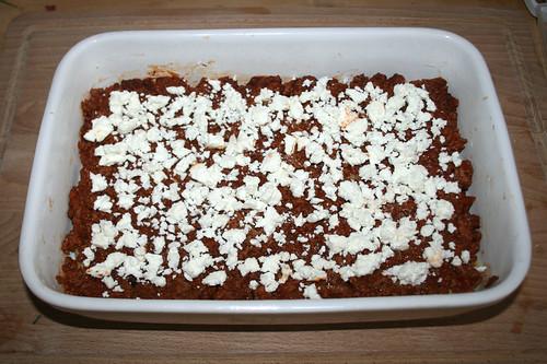 51 - Mit Hälfte vom Feta bestreuen / Dredge with half of feta