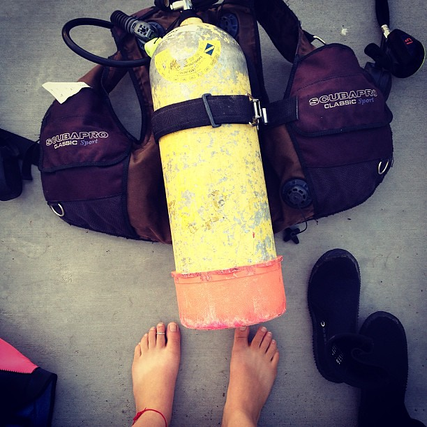 Remember how to dive?Safety first man. #flipfloptan #cuinfiji