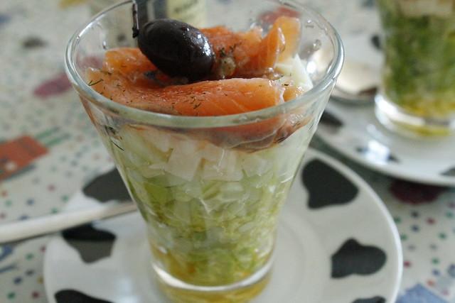 ensalada de vasito de salmón ahumado