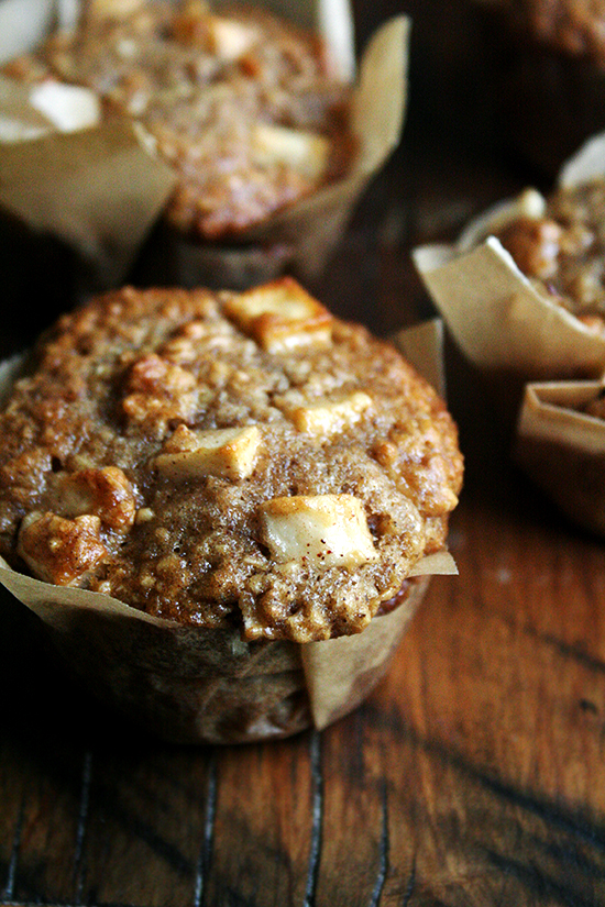 apple-yogurt muffin