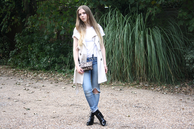 Topshop ripped blue Baxter jeans