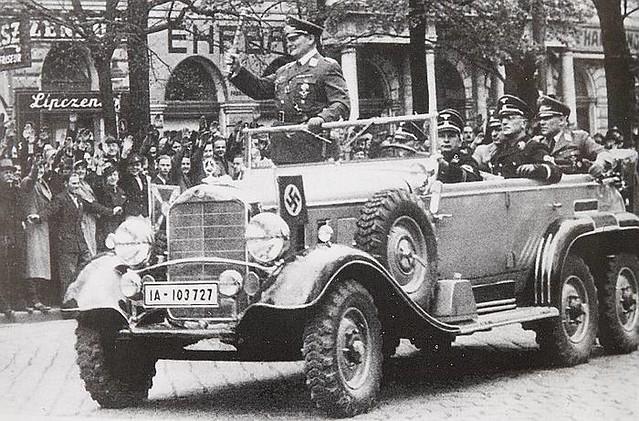 A Mercedes-Benz G-4