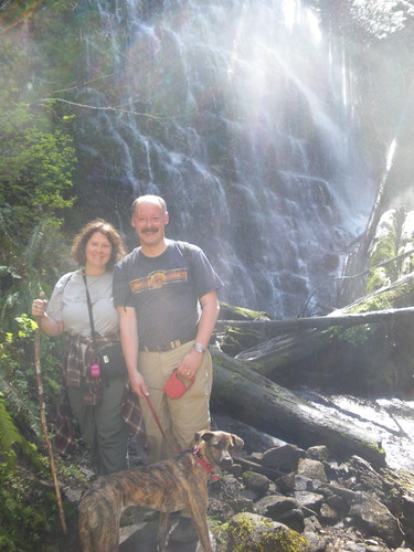 Jayne, Stefan & Lucinda at University Falls, Tillamook State Forest, Oregon