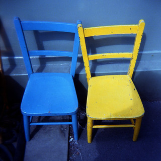 blue chair yellow chair