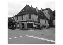 Série France : carrefour - Photo of Saint-Avit-Sénieur
