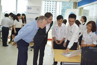 Deputy Secretary Blinken Meets With Students at the American Center Innovation Lab