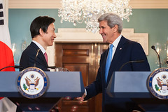 U.S. Secretary of State John Kerry shakes hands with Republic of Korea (ROK) Minister of Foreign Affairs Yun Byung-se following their press conference at the U.S. Department of State in Washington, D.C., on October 19, 2016. [State Department photo/ Public Domain]