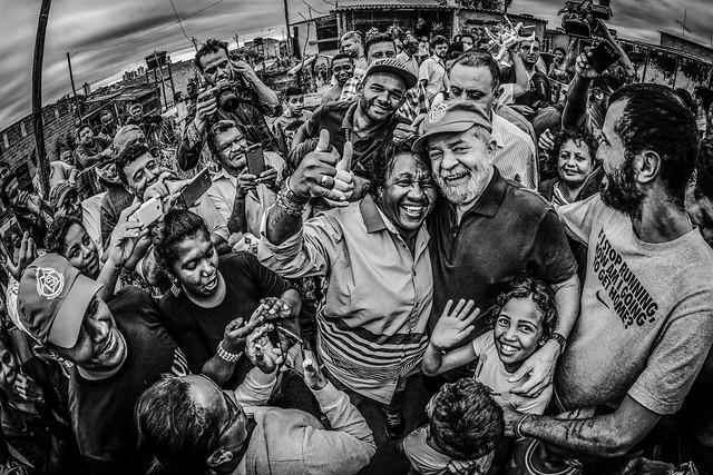 """""""Quando forem chamados a prestar depoimento podem dizer que Lula mora aqui"""", disse o ex-presidente - Créditos: Ricardo Stuckert/Instituto Lula"""