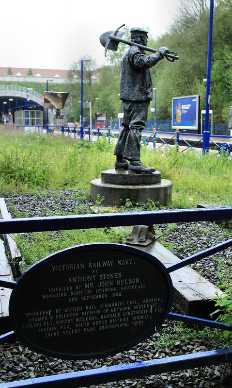 Gerrards Cross statue