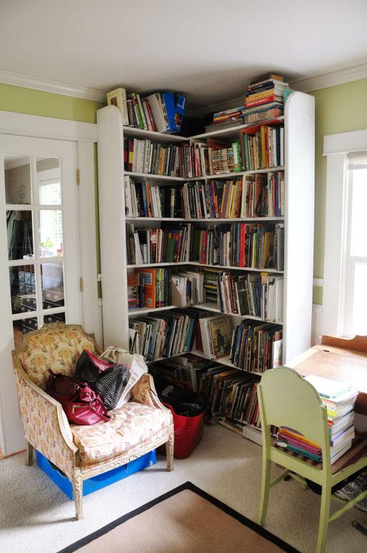 School-Bookshelf
