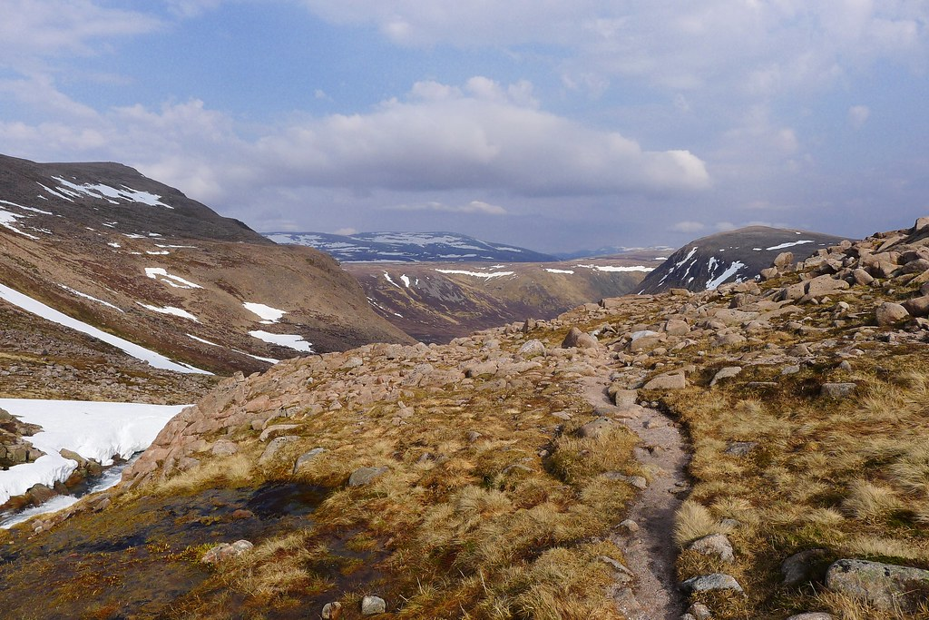 Path to Glen Derry