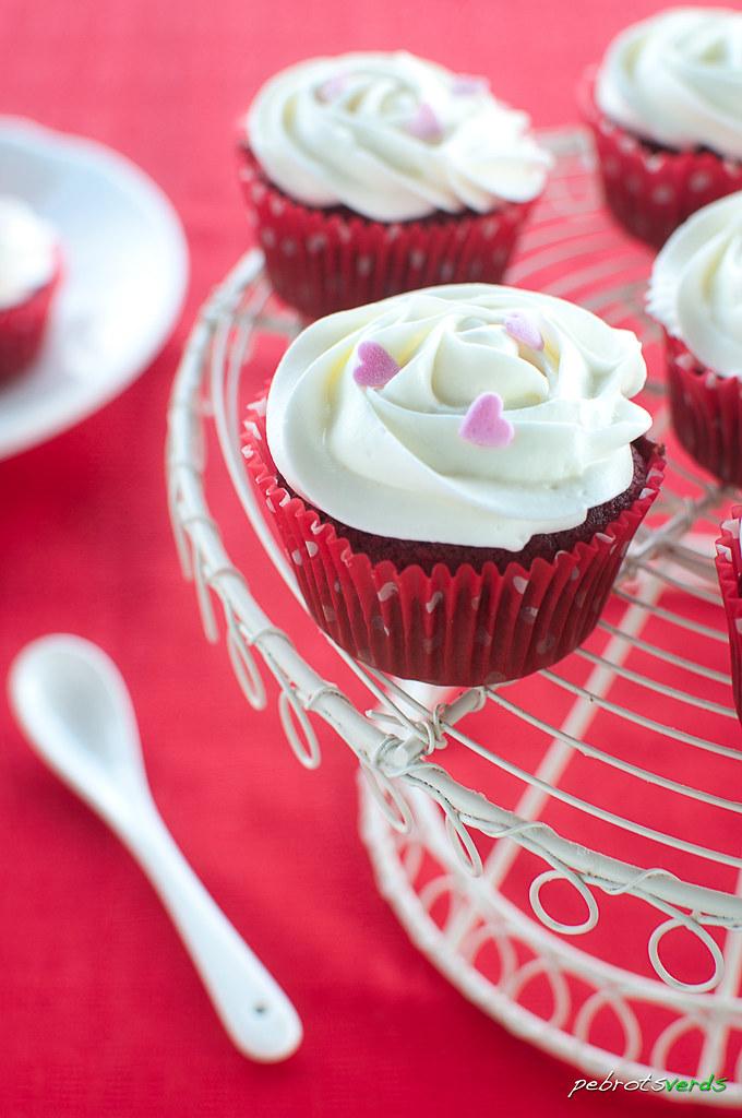 20130608_red_velvet_cupcakes