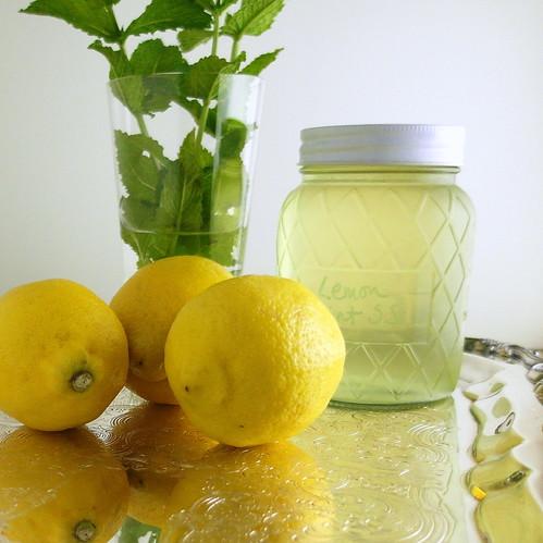 Sparkling Berry Mint Lemonade