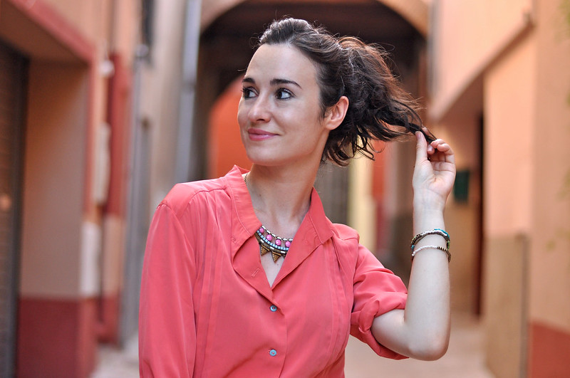 coral shirt statement necklace