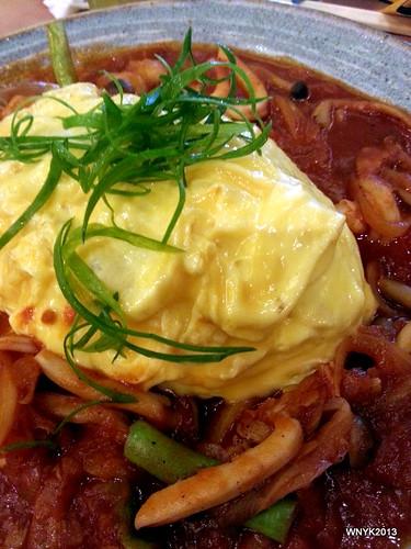 Tomato Seafood Garlic Omu Rice