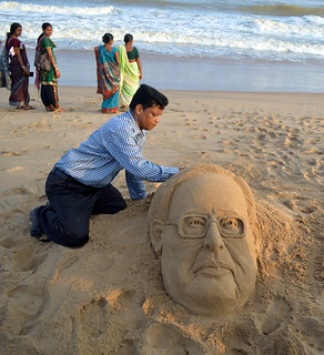 Sand Artist Ranjan Ganguly Created Sand Sculpture of President Of India