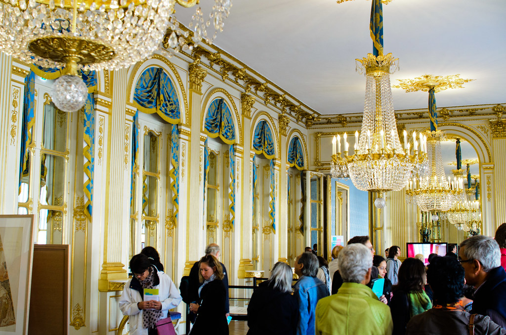 Qu 39 y a t il l 39 int rieur du palais royal et si on se promenait - Salon de the palais royal ...