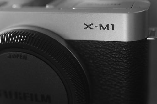 FUJIFILM X-M1 logo
