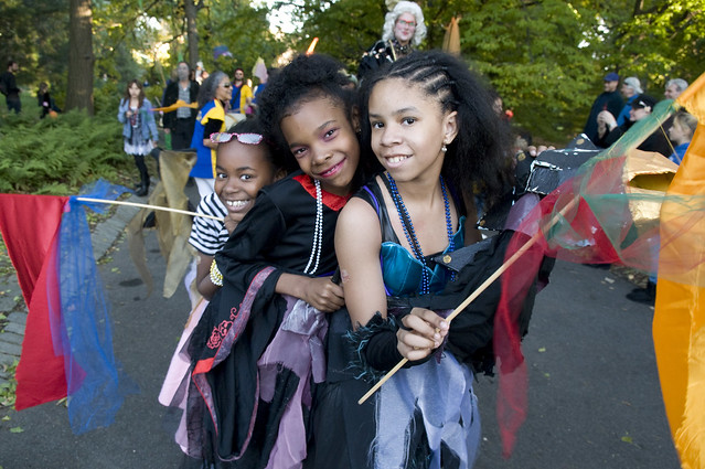 Visitors enjoy the Costume Parade. Photo by Jason Gardner.